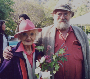 Photo of Lionel Rolfe with Laura Huxley, widow of Aldous Huxley by Bonnie Perkinson